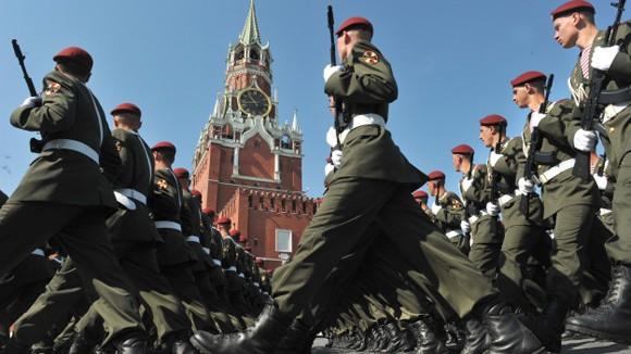 Diễu binh hoành tráng trên Quảng trường Đỏ ảnh 1