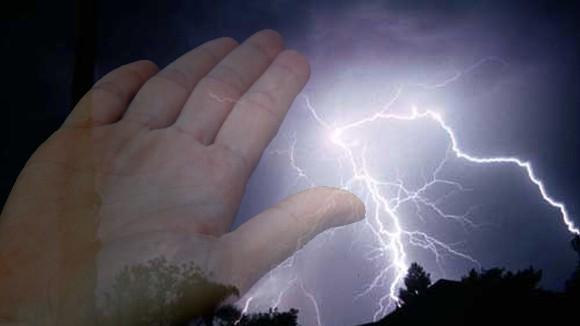 Sự kỳ bí của bàn tay người chết vì sét đánh ảnh 1