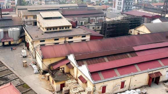 Nhà máy, công sở nhường chỗ cho trường học ảnh 1