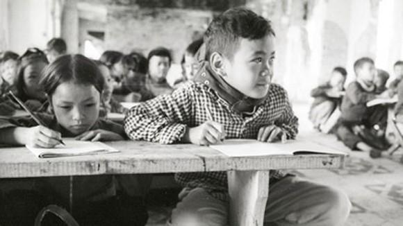 """Công bố ảnh """"Trẻ em thời chiến"""" tại Hà Nội ảnh 1"""
