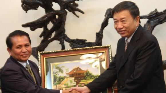 Thứ trưởng Tô Lâm tiếp Đoàn đại biểu Bộ Tư lệnh Bảo vệ Trung ương Lào ảnh 1
