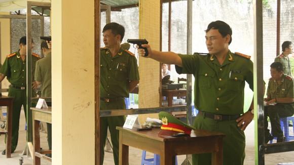 Khai mạc giải bắn súng ngắn quân dụng Báo ANTĐ ảnh 1
