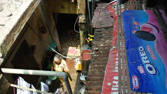 """Cải tạo nhà gỗ ngoài đê sông Hồng: Gần 20 năm vẫn... """"chơi vơi"""" ảnh 1"""