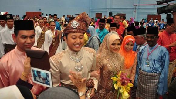 """Hậu trường đám cưới """"khủng"""" 130.000 thực khách ở Malaysia: Điều tra ra manh mối ảnh 3"""