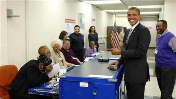 Tổng thống Mỹ đi bỏ phiếu sớm ảnh 1