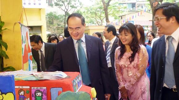 Phó Thủ tướng Nguyễn Thiện Nhân chúc mừng các nhà giáo Thủ đô ảnh 1