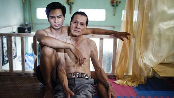 Chuyện của người đồng tính công khai lớn tuổi nhất Việt Nam ảnh 2