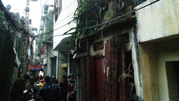 Cháy sát chợ Đồng Xuân, cụ ông 73 tuổi tử vong ảnh 1