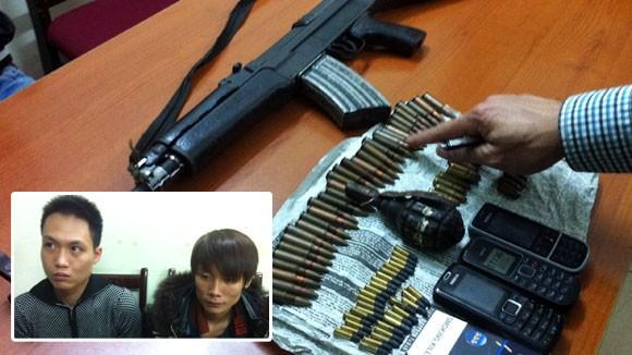 Găm súng AK, hơn 80 viên đạn trên xe taxi ảnh 1