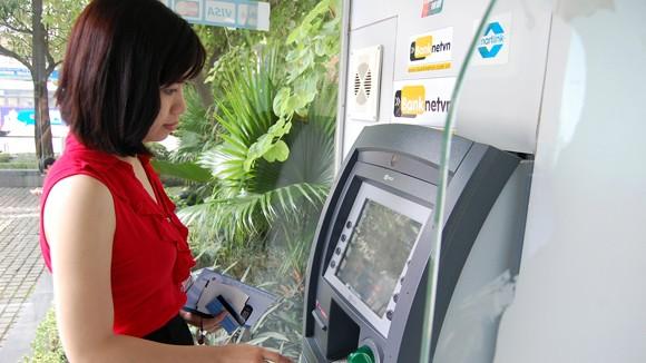 Thu phí ATM nội mạng: Khó khẳng định dịch vụ sẽ tốt hơn ảnh 1