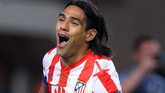 Chelsea bán rẻ Torres, mua đắt Falcao ảnh 1