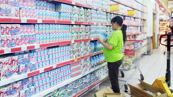 Sữa tăng giá ngoài tầm kiểm soát ảnh 1