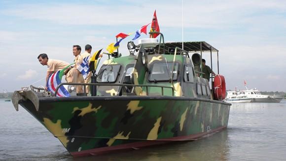 Bộ Công an bàn giao 5 tàu cao tốc chống khủng bố cho các đơn vị ảnh 1