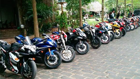 Chơi xe mô tô phân khối lớn tại Việt Nam: Lẫn lộn trắng đen ảnh 2