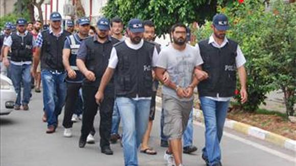 13 đối tượng bị bắt giữ vì kích động biểu tình. Ảnh: AA