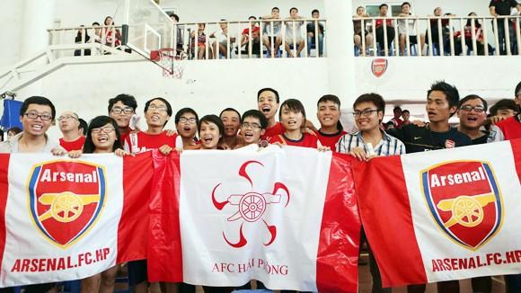 Hôm nay Arsenal đến Hà Nội: CĐV khó tiếp cận thần tượng ảnh 1