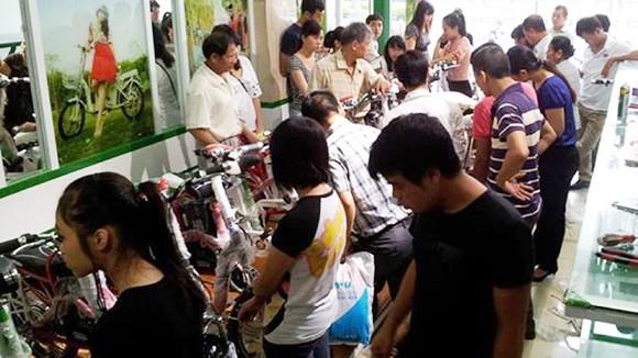 Xe đạp điện đắt khách ảnh 1