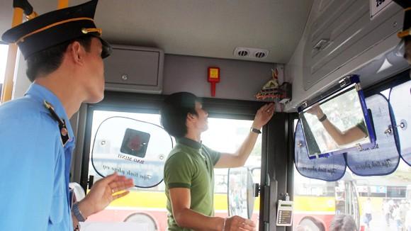 Cơ bản đề nghị giữ nguyên mức xử phạt vi phạm giao thông ảnh 1
