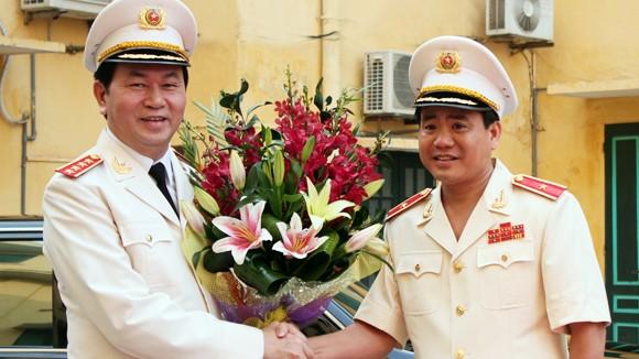 Lãnh đạo CATP Hà Nội đón nhận các phần thưởng cao quý ảnh 1