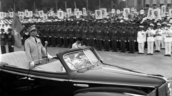Thông tin chưa từng biết về chiếc xe chở Đại tướng Võ Nguyên Giáp tại lễ duyệt binh ngày 2-9-1975 ảnh 1