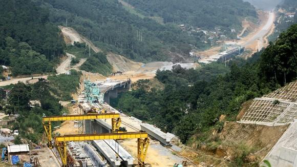 Cao tốc Nội Bài - Lào Cai: Chậm tiến độ vì nhà thầu ngoại ảnh 1