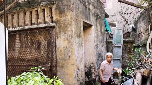 Khổ vì sống trong... biệt thự cổ: Bức bối đủ đường ảnh 1