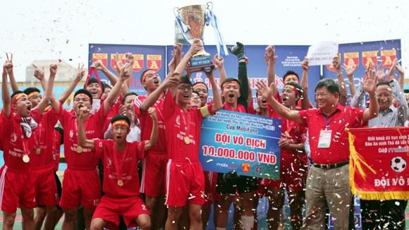 THPT Nguyễn Thị Minh Khai lần thứ 2 vô địch ảnh 1