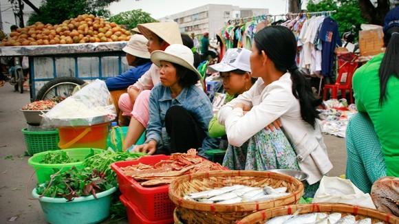 Rau xanh, thực phẩm: Ổn định giá sau mưa bão ảnh 1