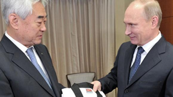 Tổng thống V.Putin được phong cửu đẳng Taekwondo ảnh 1