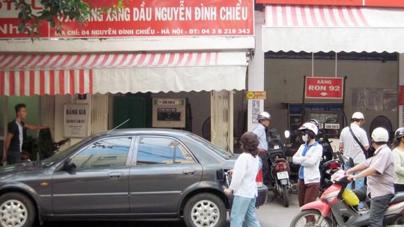 Cửa hàng xăng dầu nội thành Hà Nội: Nếu áp chuẩn, sẽ đóng cửa hàng loạt ảnh 1