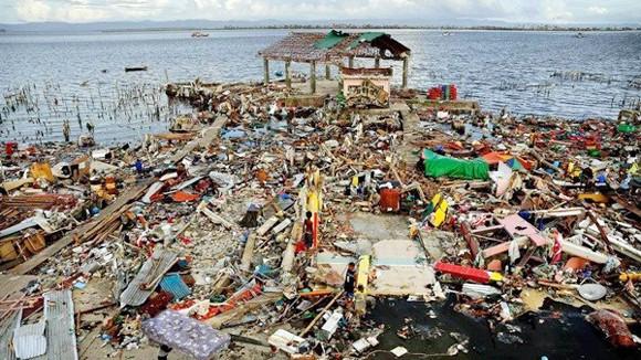 Số người chết do siêu bão tại Philippines chưa thống nhất ảnh 1