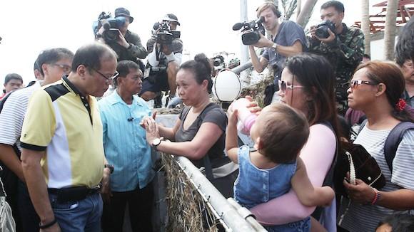 Tổng thống Philippines trực tiếp chỉ đạo cứu trợ tại Tacloban ảnh 1