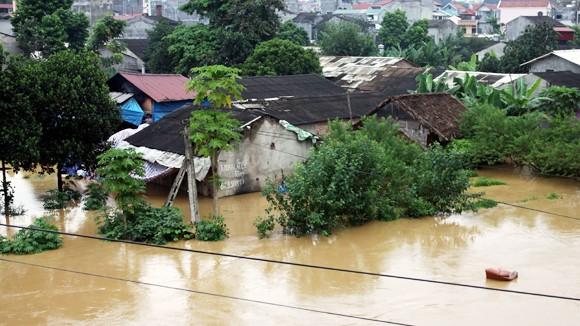 Lũ lụt lịch sử tại miền Trung: Đổ lỗi vòng quanh ảnh 1