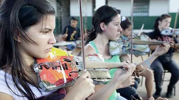 Dàn nhạc tái chế - giấc mơ có thực ảnh 1
