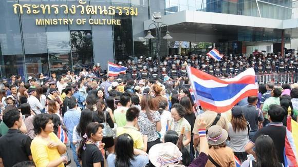 Biểu tình lan rộng, Thủ tướng Thái Lan đề nghị đối thoại ảnh 1