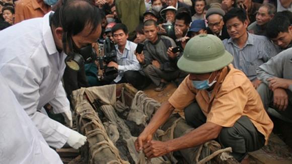 Hai dòng họ cùng nhận ngôi mộ cổ 300 năm tuổi ở Hà Nội ảnh 1
