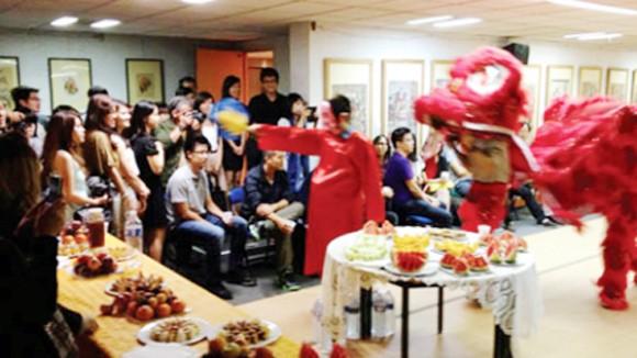 Xao xuyến Tết Việt ở Paris ảnh 1