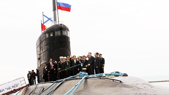 Tàu ngầm lớp Kilo Hà Nội đã vào vịnh Cam Ranh ảnh 1