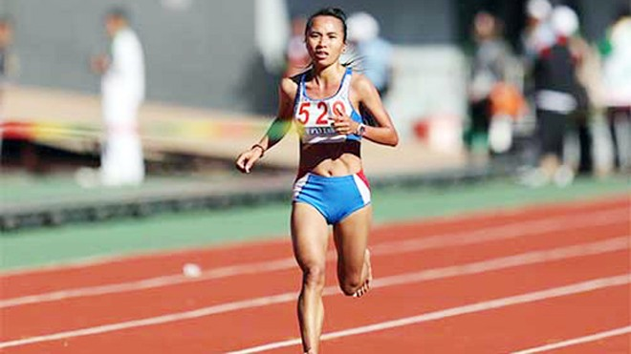 Đôi chân có cấu tạo đặc biệt của cô gái chiến thắng bệnh tim, đoạt HCV điền kinh SEA Games 27 ảnh 2