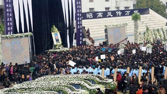 Dịch vụ mai táng ở Trung Quốc hốt bạc tỷ ảnh 1