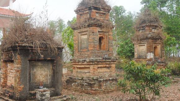 """Bí ẩn những vụ đào bới ngôi chùa và con rắn lạ """"canh"""" ba tòa tháp cổ ảnh 1"""