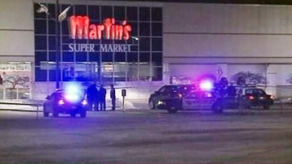 Mỹ: Xả súng tại siêu thị, 3 người chết ảnh 1