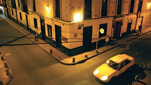 """Đi """"taxi triệu phú"""" ở Bogota: Hành khách trở thành """"mồi ngon"""" ảnh 1"""