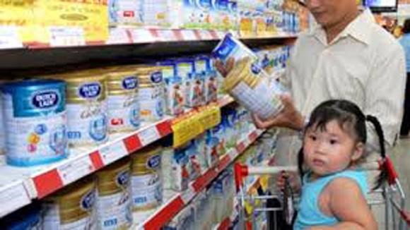 Giá sữa như con ngựa bất kham: Thương quá, các cháu các em ảnh 1