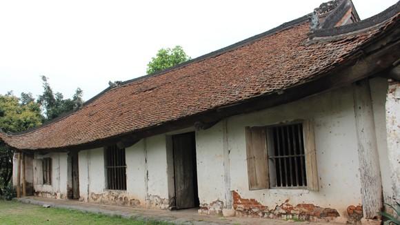 Đình làng Đa Chất - Phú Xuyên: Chẳng lẽ sập mới được tu bổ? ảnh 1