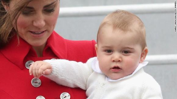 Hoàng tử bé của Anh lần đầu xuất ngoại ảnh 1