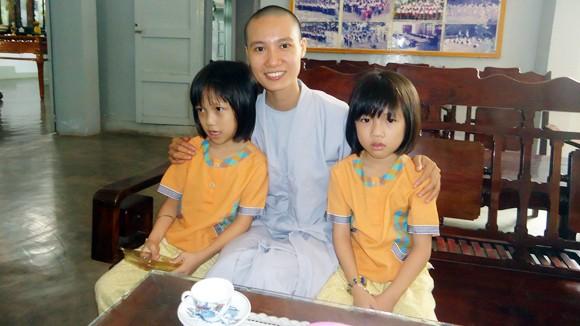 Ngôi chùa có 20 sư cô làm mẹ của 200 đứa con ảnh 1