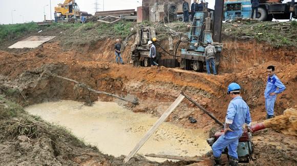 Đường ống nước sạch sông Đà: Vỡ 6 lần, chưa biết vì sao? ảnh 1