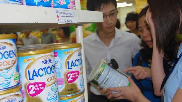 Giá sữa giảm cũng khó quản ảnh 1