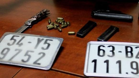 Thu 1 súng quân dụng của kẻ bắn chết người ảnh 1